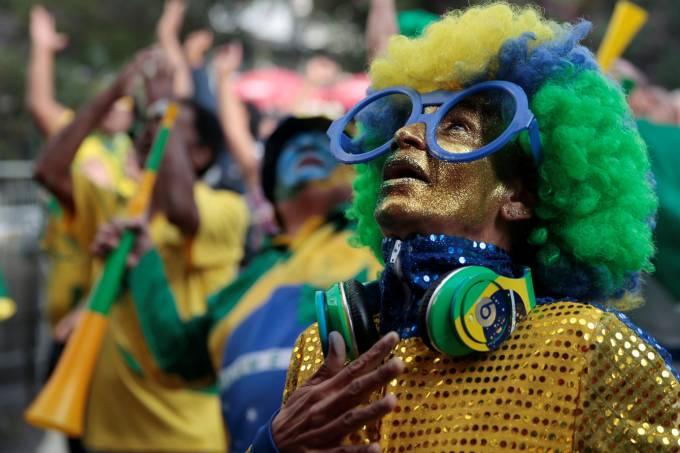 torcedor do Brasil na estreia da seleção na Copa