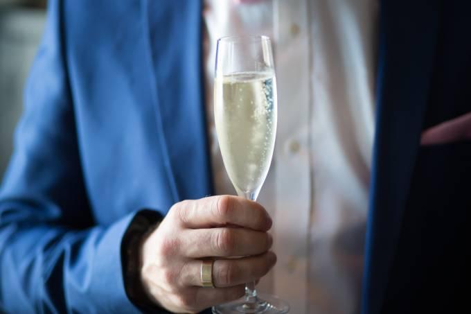 alcohol-anniversary-beverage-1121331