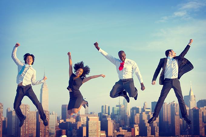 Empreendedores/executivos de sucesso, realizados, felizes