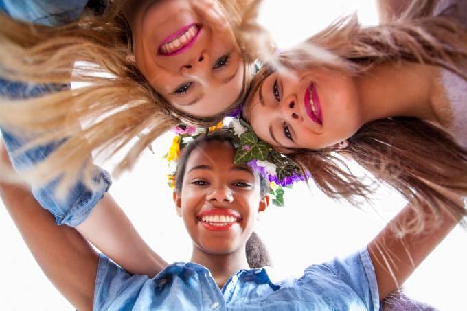 Garotas felizes; felicidade