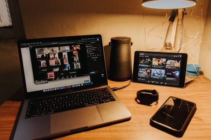 computador reunião virtual