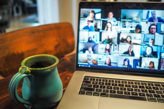 zoom teleconferência reunião virtual