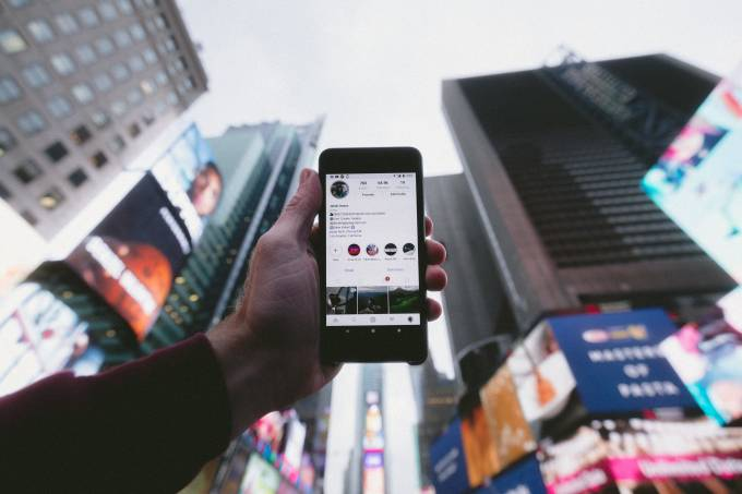 celular aplicativo Instagram