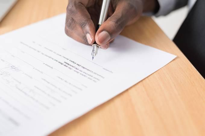 assinar escrever caneta