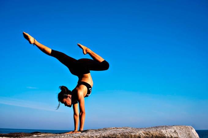 yoga-StockSnap-por-Pixabay