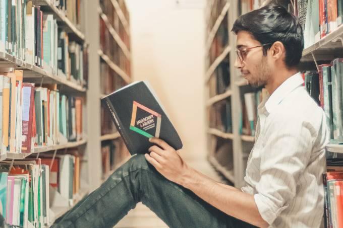 estudante, livro