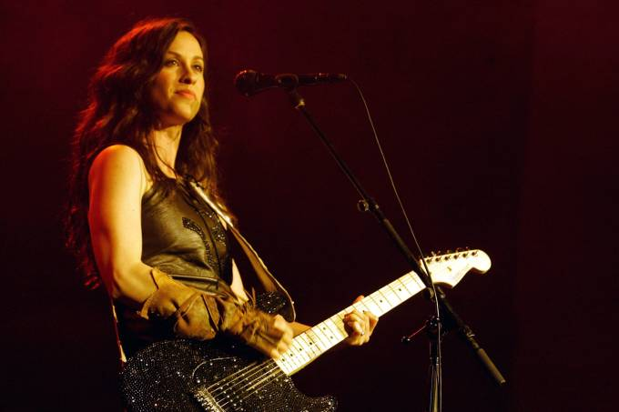 Alanis Morissette Plays Carling Academy Brixton