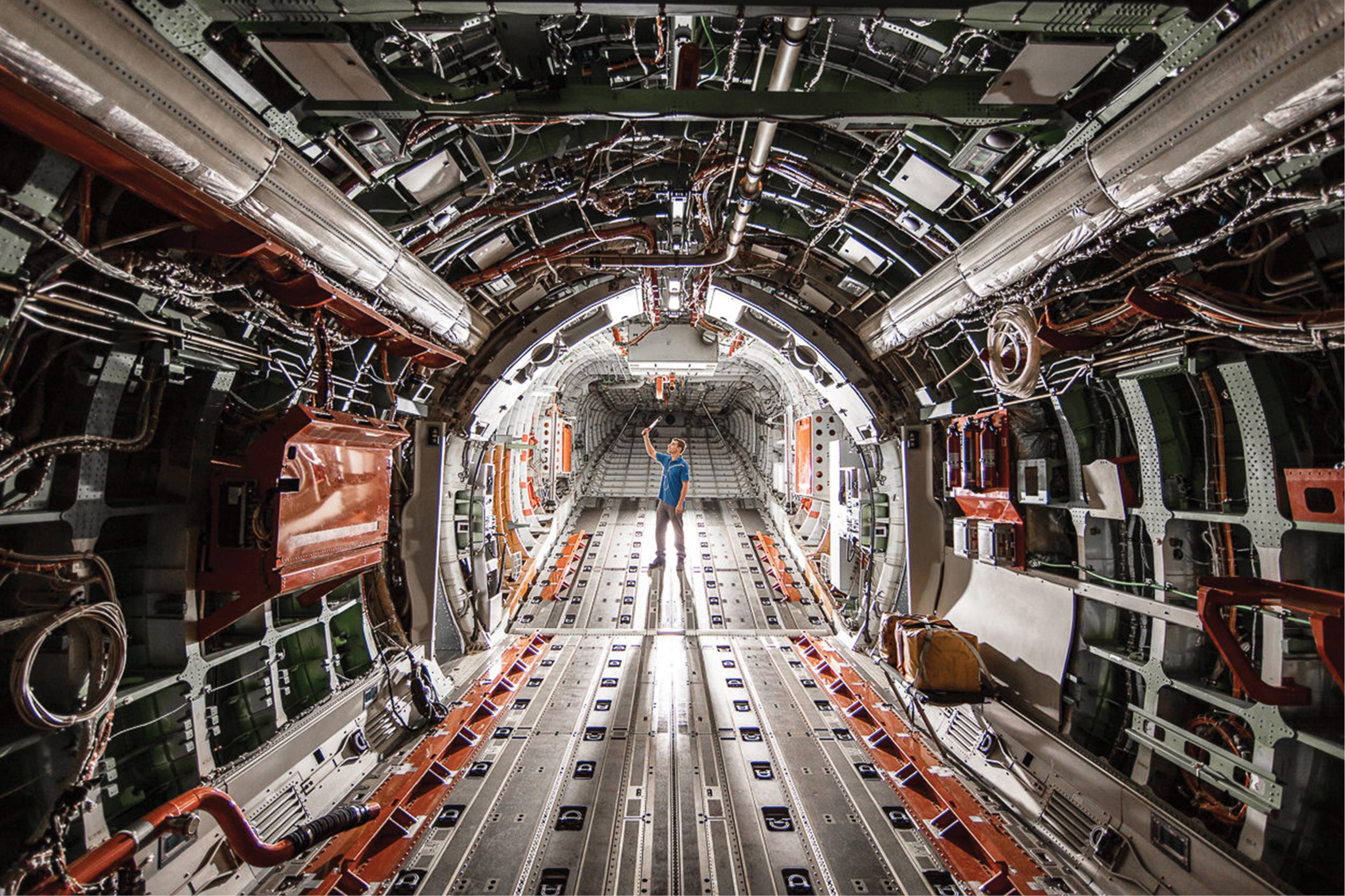Fábrica da Embraer em Gavião Peixoto (SP)