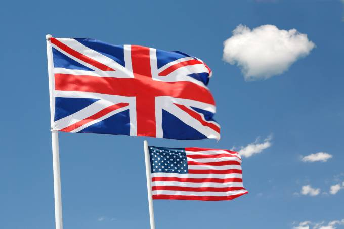 Britânico versus americano