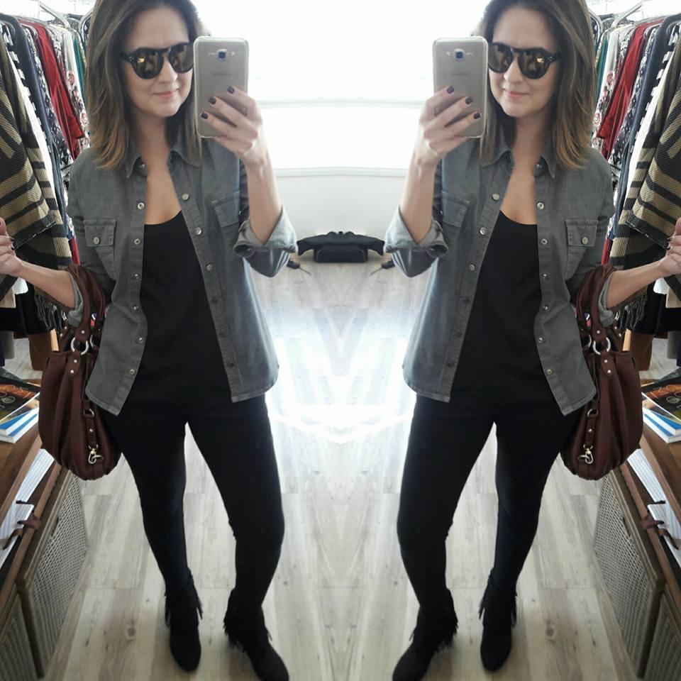 Modelo - foto no espelho